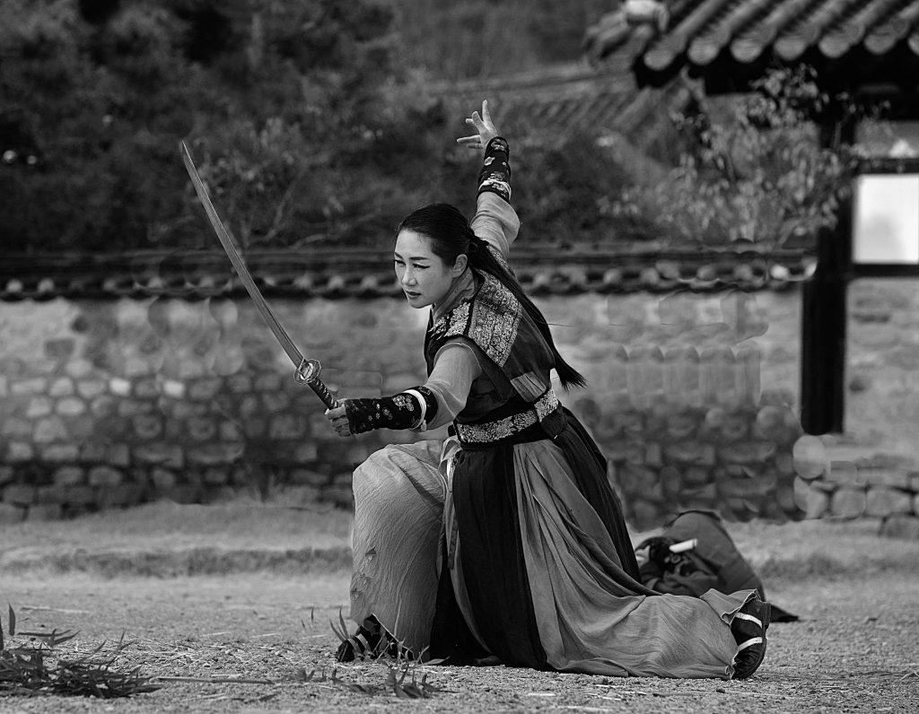 guerrière asiatique sabre